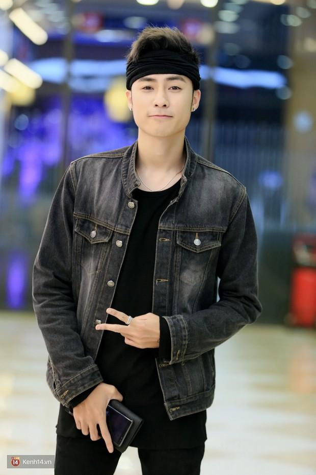 Fan vây kín Jun Vũ tại buổi ra mắt phim Ready Player One: Đấu Trường Ảo - Ảnh 9.