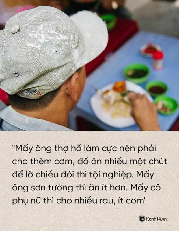 """Cô bán cơm dễ thương hết sức ở Sài Gòn: 10 ngàn cũng bán, khách nhiêu tiền cũng có cơm ăn"""" - Ảnh 4."""