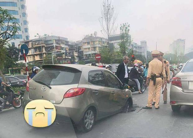 Hà Nội: Hố đen trên phố Nguyễn Chí Thanh đã có nạn nhân đầu tiên - Ảnh 1.