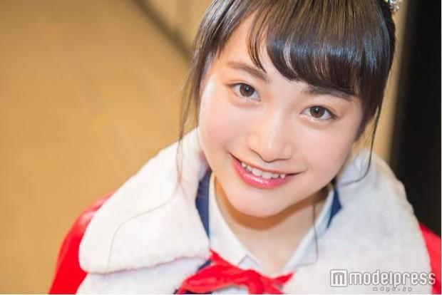 Vừa được giải nữ sinh đáng yêu nhất Nhật Bản, cô bé 17 tuổi lại bị cư dân mạng lôi ra mổ xẻ nhan sắc - Ảnh 8.