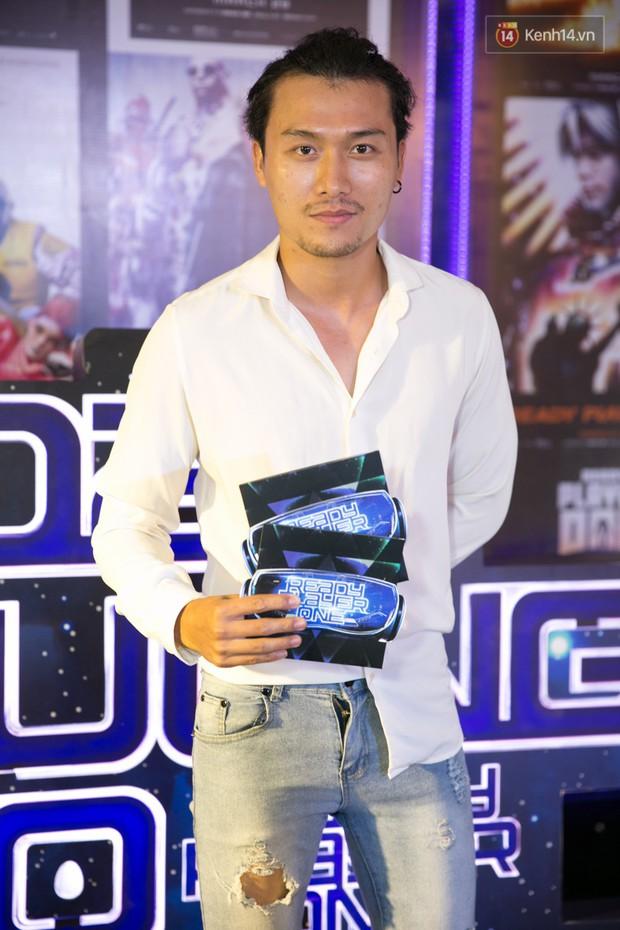 Fan vây kín Jun Vũ tại buổi ra mắt phim Ready Player One: Đấu Trường Ảo - Ảnh 4.