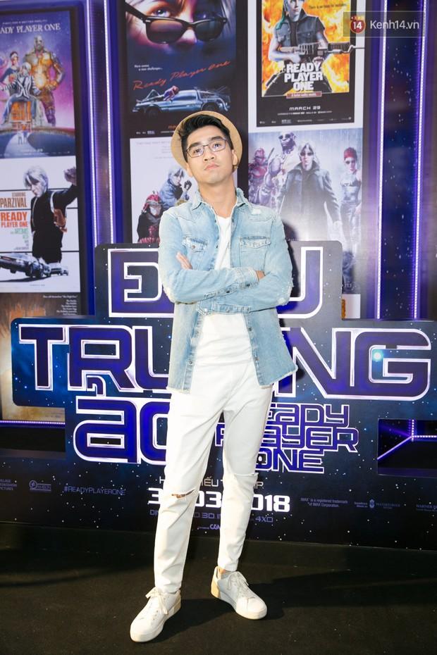 Fan vây kín Jun Vũ tại buổi ra mắt phim Ready Player One: Đấu Trường Ảo - Ảnh 5.