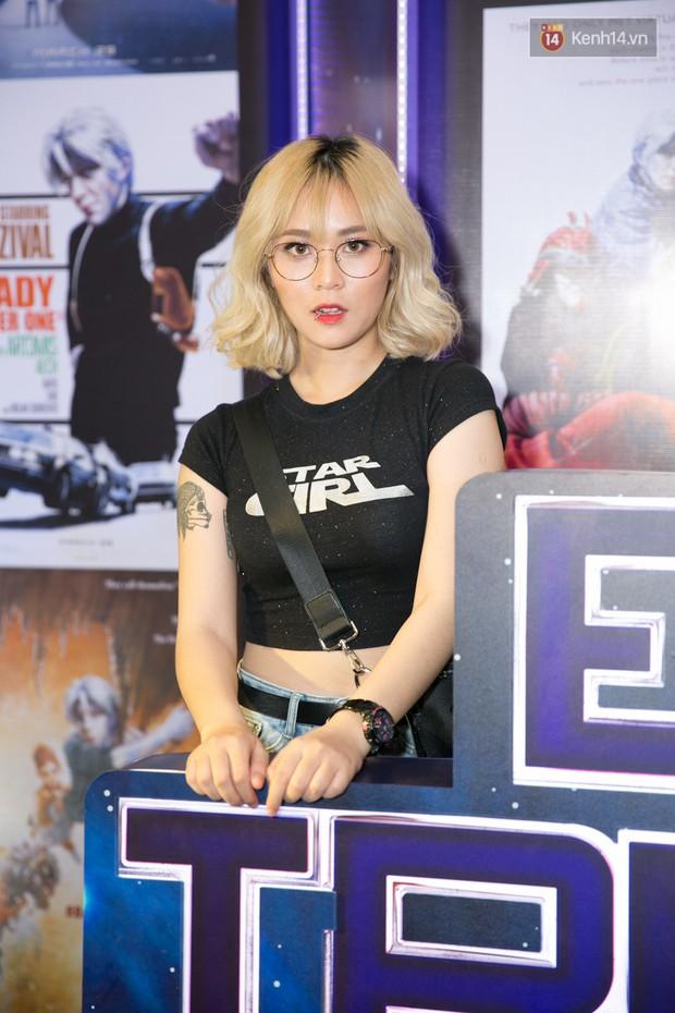 Fan vây kín Jun Vũ tại buổi ra mắt phim Ready Player One: Đấu Trường Ảo - Ảnh 8.