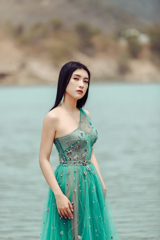 Tiêu Châu Như Quỳnh kể chuyện tình tay 3 đầy đam mỹ trong MV mới, hé lộ tạo hình ấn tượng ôm đầu cho dự án tiếp theo - Ảnh 3.