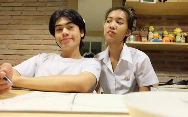 Sinh cùng ngày, cùng tháng, cùng năm, cặp đôi trẻ Thái Lan qua đời cùng lúc sau vụ đụng xe kinh hoàng - Ảnh 2.