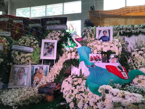 Sinh cùng ngày, cùng tháng, cùng năm, cặp đôi trẻ Thái Lan qua đời cùng lúc sau vụ đụng xe kinh hoàng - Ảnh 4.