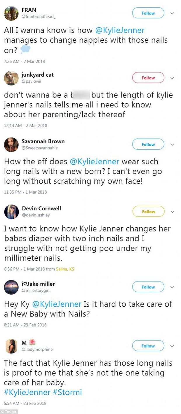 Để móng tay dài, Kylie Jenner bị chê là bà mẹ tồi vì không tự mình chăm sóc con - Ảnh 2.