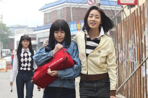 Phải chăng Thanh Hằng đã thầm yêu một cô gái suốt cả thanh xuân trong Tháng Năm Rực Rỡ - Ảnh 9.