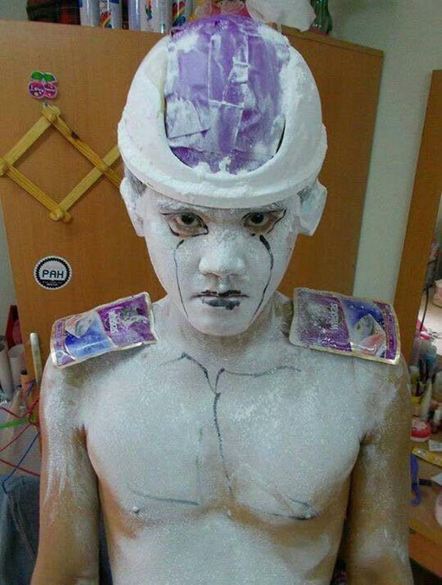 [Vui] Quỳ lạy với bộ ảnh cosplay Dragon Ball Z siêu hài hước của anh chàng Thái Lan - Ảnh 24.
