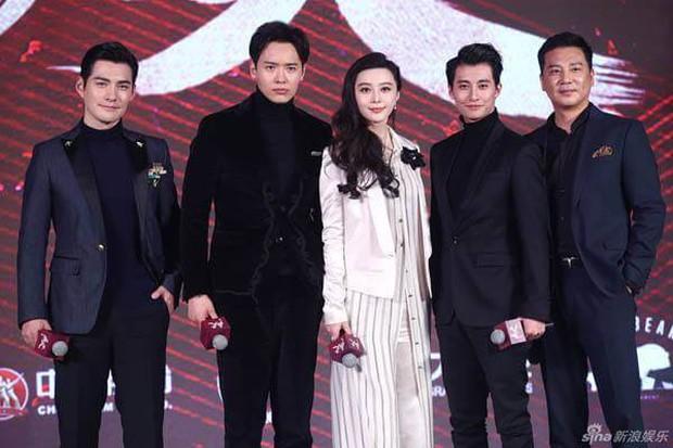 11 diễn viên Hoa Ngữ sụp đổ hình tượng vợ - chồng quốc dân với khán giả (Phần 1) - Ảnh 12.