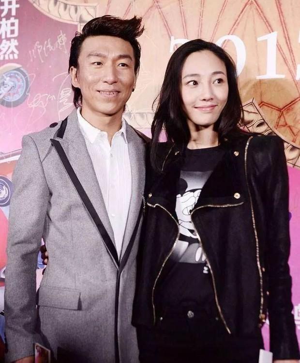 11 diễn viên Hoa Ngữ sụp đổ hình tượng vợ - chồng quốc dân với khán giả (Phần 1) - Ảnh 14.