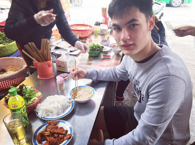 Ai cũng biết Lâm Tây đẹp trai, nhưng nhìn sang em trai với em gái của chàng thủ môn, dân mạng còn thích thú hơn! - Ảnh 4.