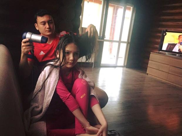 Ai cũng biết Lâm Tây đẹp trai, nhưng nhìn sang em trai với em gái của chàng thủ môn, dân mạng còn thích thú hơn! - Ảnh 6.