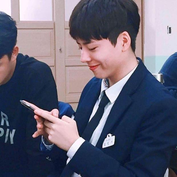 Chàng trai với gương mặt giống hệt Park Bo Gum, đến fan ruột còn tưởng đây là thần tượng thời trẻ - Ảnh 4.