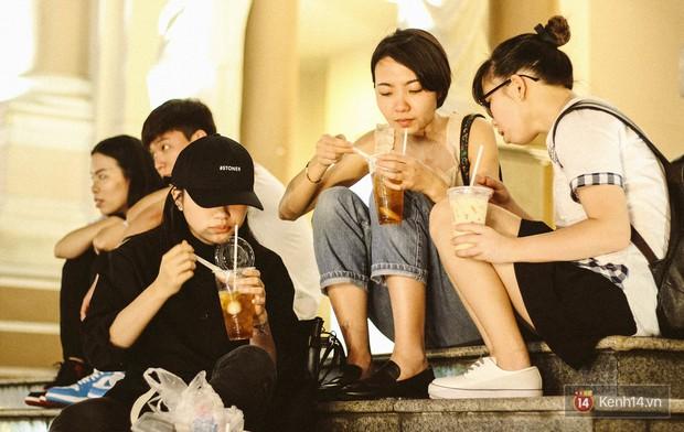 Quán trà sữa huyền thoại không bàn ghế, không biển hiệu nhưng ai cũng biết ở Sài Gòn - Ảnh 11.
