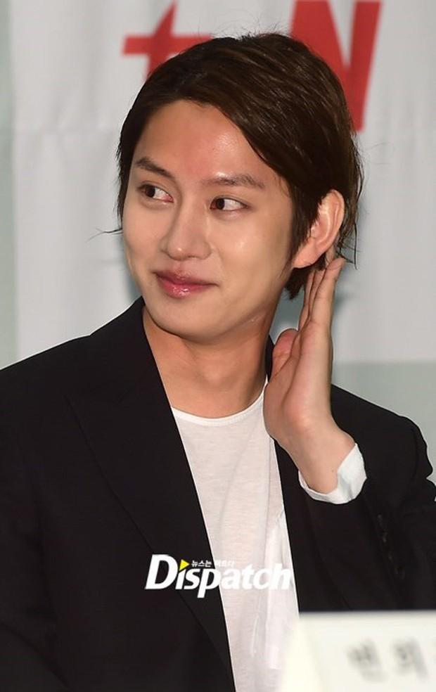 Những lần lộ mặt phấn loang lổ nhớ đời của mỹ nam xứ Hàn: Trai đẹp cũng có ngày bị dìm vì tham trắng - Ảnh 33.