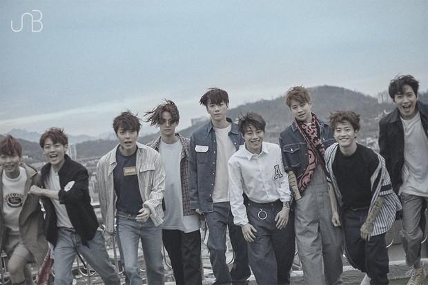 Kpop tháng 4: Cuộc đổ bộ của dàn idolgroup già trẻ lớn bé đủ cả - Ảnh 5.