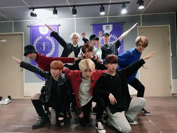 Kpop tháng 4: Cuộc đổ bộ của dàn idolgroup già trẻ lớn bé đủ cả - Ảnh 7.