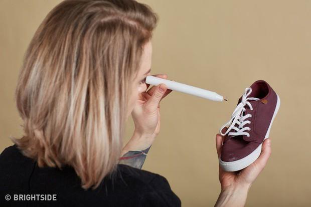 Cần ghi nhớ 13 mẹo làm sạch để giày lúc nào trông cũng như mới tinh như vừa mua - Ảnh 1.