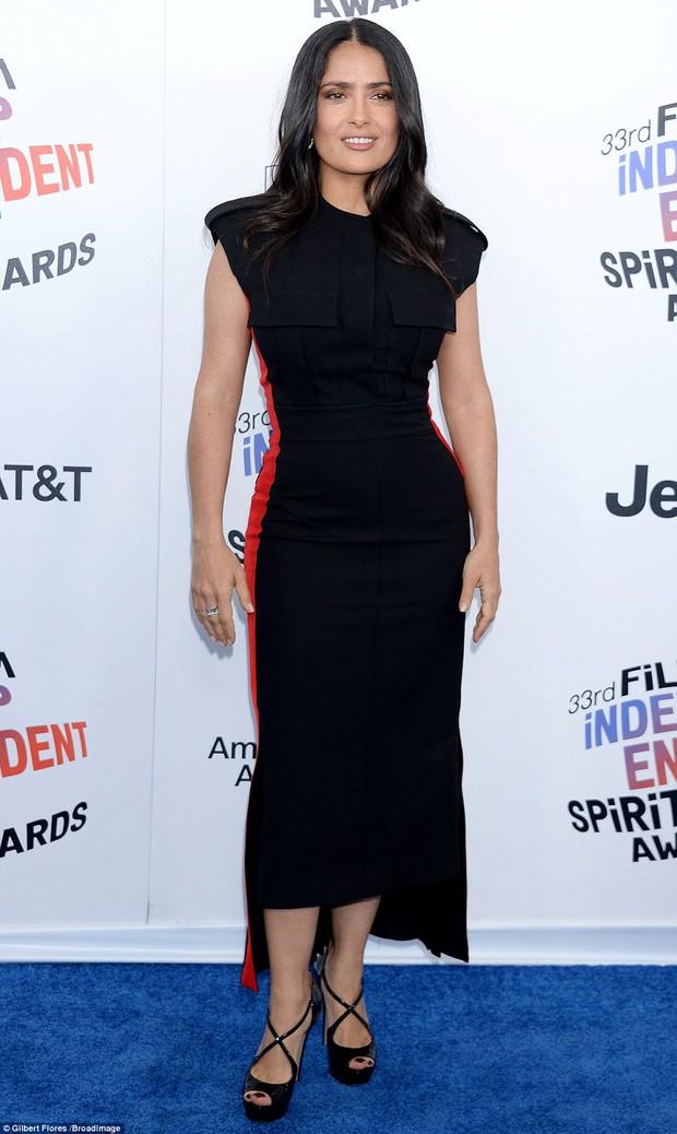 Chẳng cần hở hang, dàn mỹ nhân Hollywood khoe sắc lộng lẫy như các công chúa trên thảm xanh - Ảnh 14.