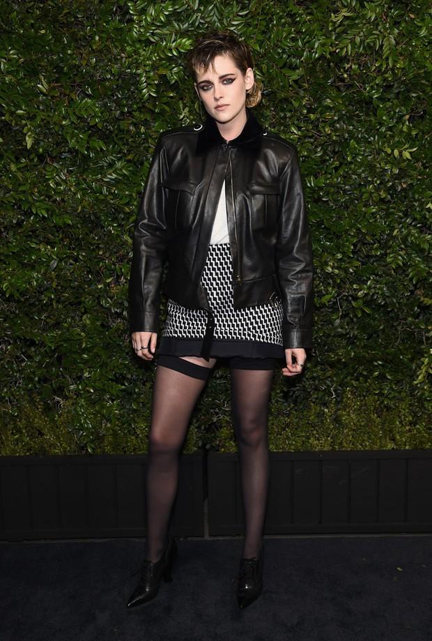 Gương mặt quá đẹp, Kristen Stewart không dịu dàng nữ tính mà vẫn hút mắt nhất dàn sao tại sự kiện - Ảnh 3.