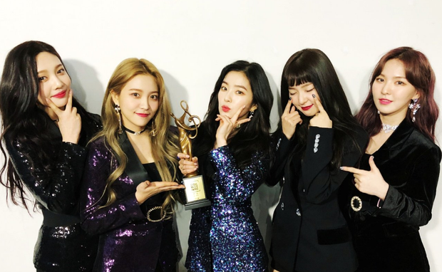 Fan nghi ngờ tin Black Pink, BTS, EXO, Red Velvet về Việt Nam biểu diễn vì poster chương trình trông rẻ tiền - Ảnh 5.