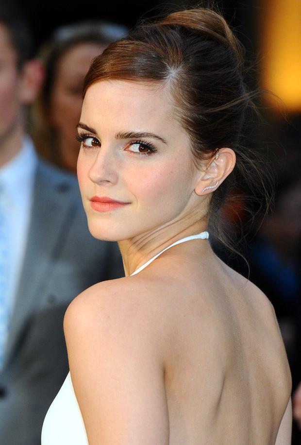Emma Watson gây tiếc nuối vì nhan sắc xuống dốc không phanh tại tiệc hậu Oscar 2018 - Ảnh 2.