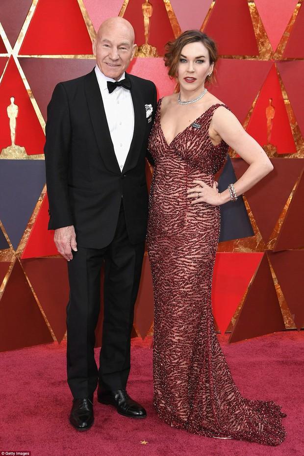 Thảm đỏ Oscar 2018 biến thành dạ hội lộng lẫy cho các công chúa Lọ Lem đẹp nhất thế giới - Ảnh 45.