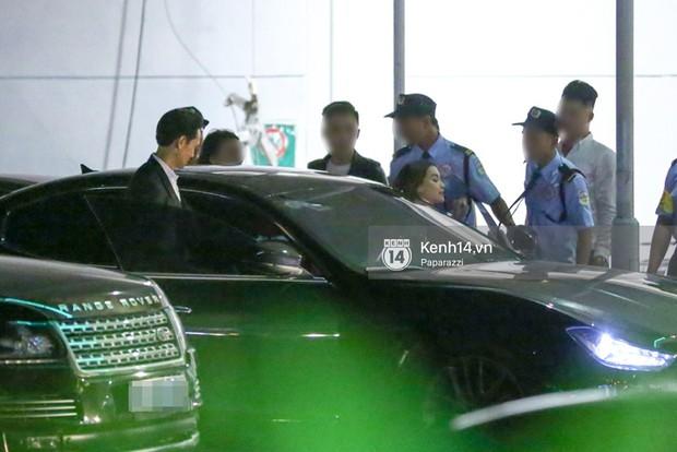 Clip: Rời sự kiện, Hà Hồ lái xe chở Kim Lý vượt đèn đỏ lúc nửa đêm - Ảnh 8.