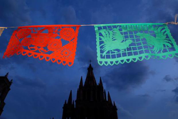 10 điều đặc biệt về Lễ hội người chết náo nhiệt ở Mexico: Khung cảnh quen thuộc trong bộ phim hoạt hình xuất sắc Coco - Ảnh 2.