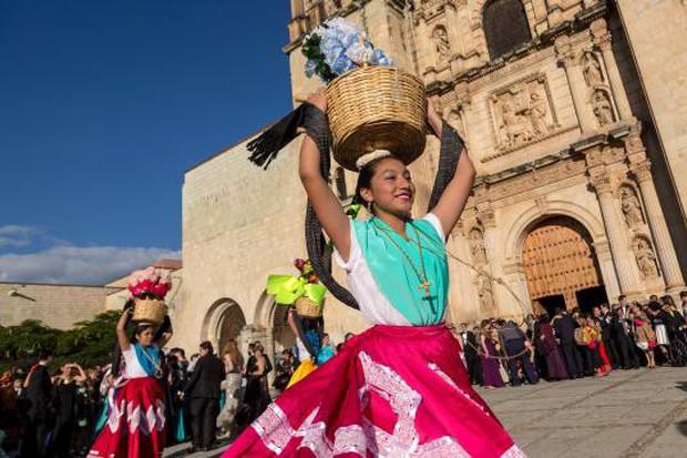 10 điều đặc biệt về Lễ hội người chết náo nhiệt ở Mexico: Khung cảnh quen thuộc trong bộ phim hoạt hình xuất sắc Coco - Ảnh 12.