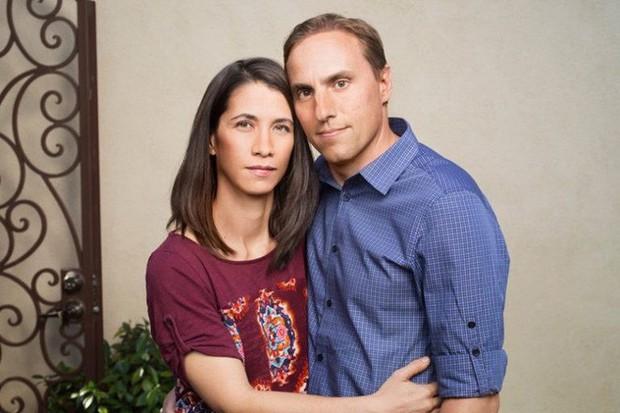 Dọn vào ngôi nhà mơ ước, cặp vợ chồng bất ngờ gặp cơn ác mộng sau hàng loạt vụ quấy rối từ người bí ẩn - Ảnh 3.