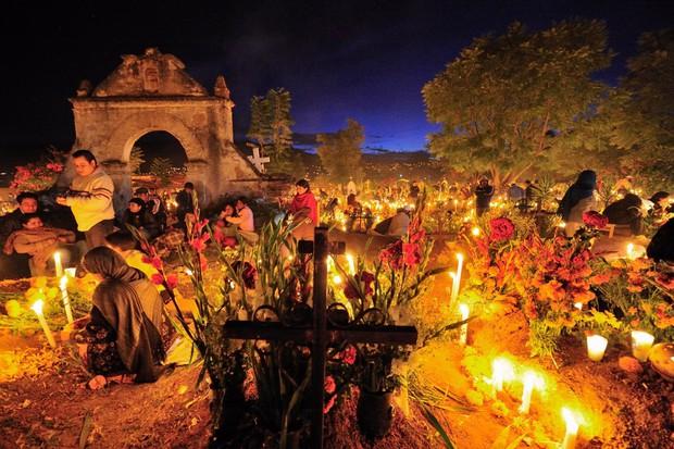 10 điều đặc biệt về Lễ hội người chết náo nhiệt ở Mexico: Khung cảnh quen thuộc trong bộ phim hoạt hình xuất sắc Coco - Ảnh 8.