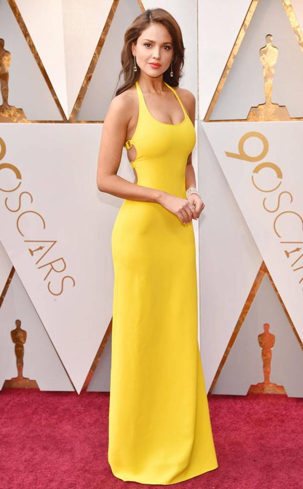 Thảm đỏ Oscar 2018 biến thành dạ hội lộng lẫy cho các công chúa Lọ Lem đẹp nhất thế giới - Ảnh 32.