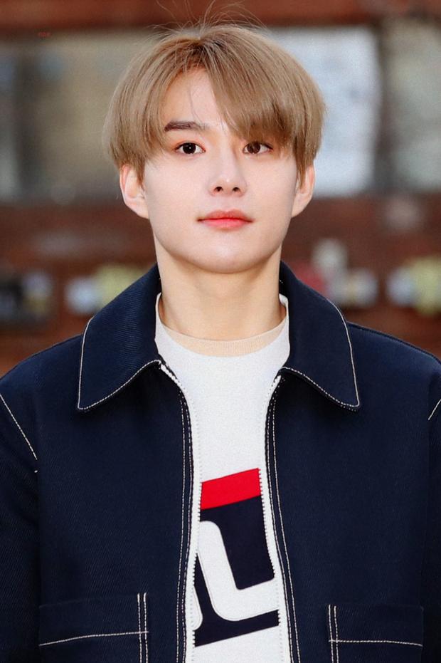 Idol có giọng hát đẹp nhất trong mắt netizen: Jimin, Rosé bị chê vẫn lọt top, EXO chỉ có 1 đại diện nhưng bất ngờ nhất là Jennie - Ảnh 16.