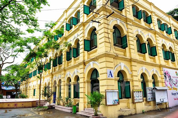 Có những ngôi trường THPT đi theo suốt mấy đời người Hà Nội - Ảnh 7.