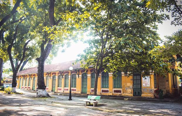 Có những ngôi trường THPT đi theo suốt mấy đời người Hà Nội - Ảnh 6.