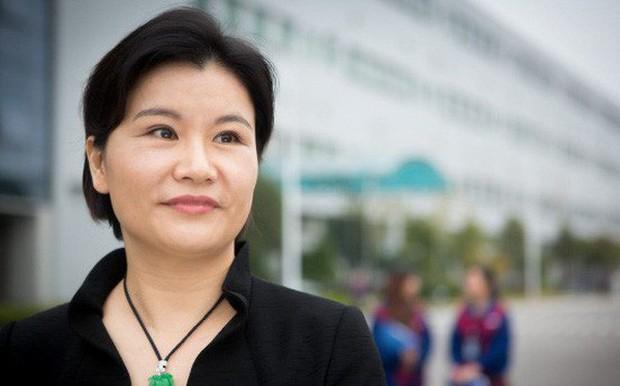 Chân dung bà chủ của đế chế 90.000 nhân viên sản xuất màn hình cho hàng tỷ chiếc điện thoại của Apple, Samsung, Huawei - Ảnh 1.