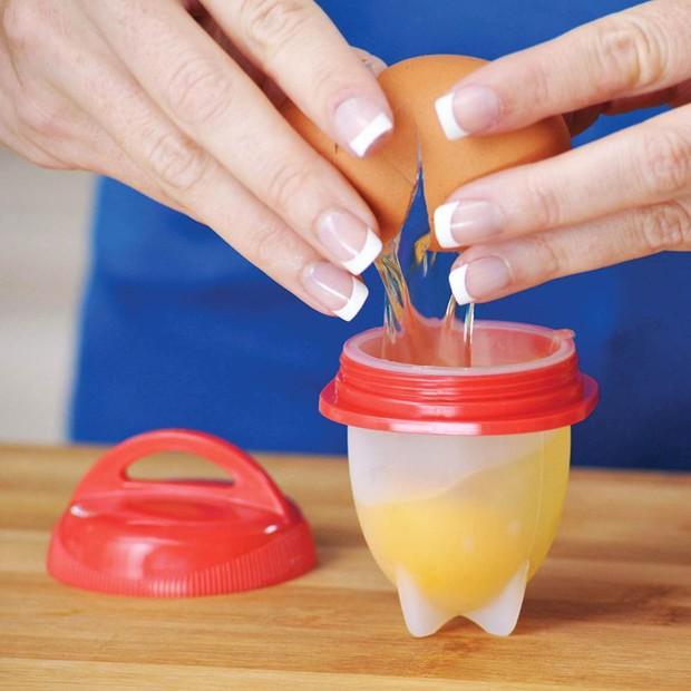 Ăn trứng luộc không cần bóc vỏ: Tưởng khó như một giấc mơ mà hóa ra dễ vô cùng - Ảnh 4.