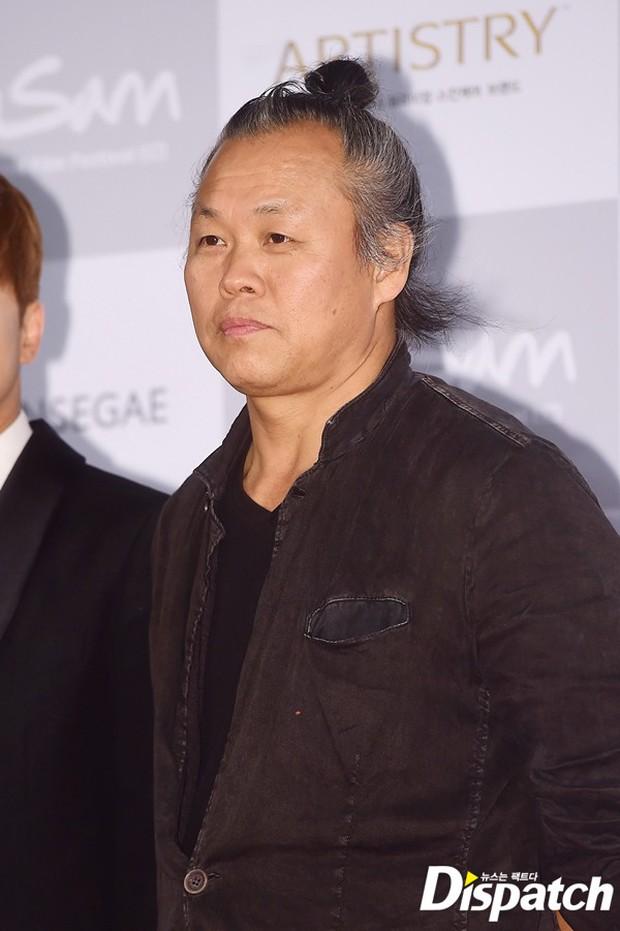 Phim mới của đạo diễn Hàn bị cáo buộc hiếp dâm: Nữ chính bị 5 đàn ông cưỡng hiếp trong 30 phút - Ảnh 1.