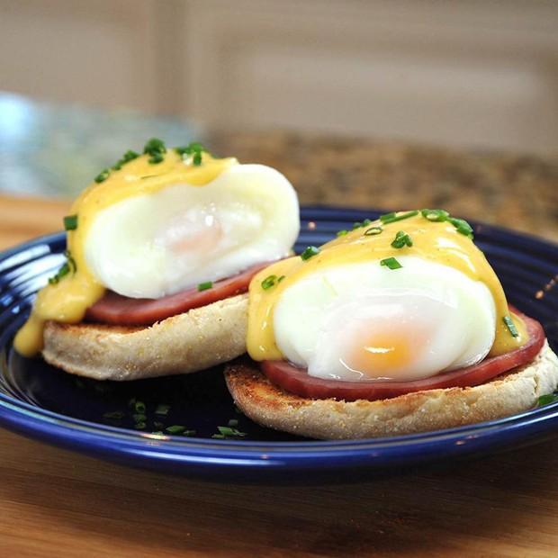 Ăn trứng luộc không cần bóc vỏ: Tưởng khó như một giấc mơ mà hóa ra dễ vô cùng - Ảnh 2.