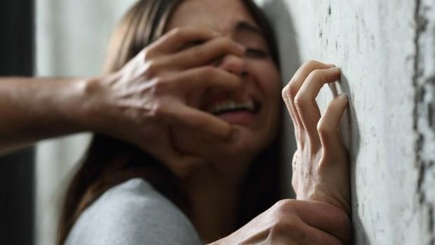 Vụ án rúng động Singapore: Giám đốc 47 tuổi xâm hại tình dục bạn gái 12 tuổi của con trai - Ảnh 1.