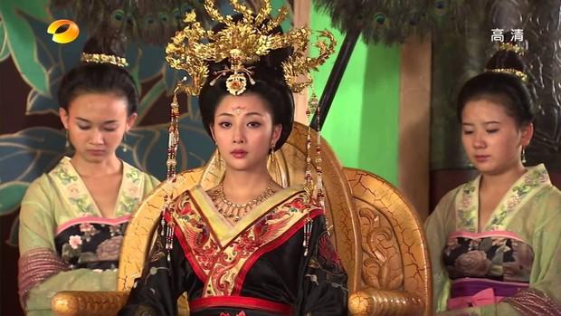 Dù là sủng phi của Huyền Tông Hoàng đế nhưng vì đâu Dương Quý Phi lại không được sắc phong làm Hoàng hậu? - Ảnh 2.