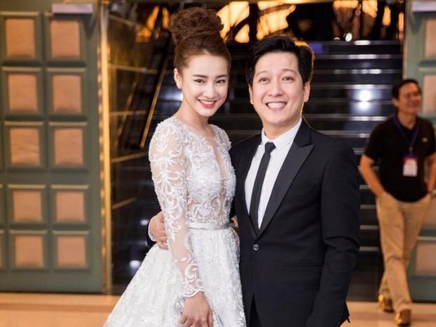 HOT: Trường Giang bất ngờ cầu hôn Nhã Phương ngay tại lễ trao giải Mai Vàng trước hàng nghìn khán giả - Ảnh 6.