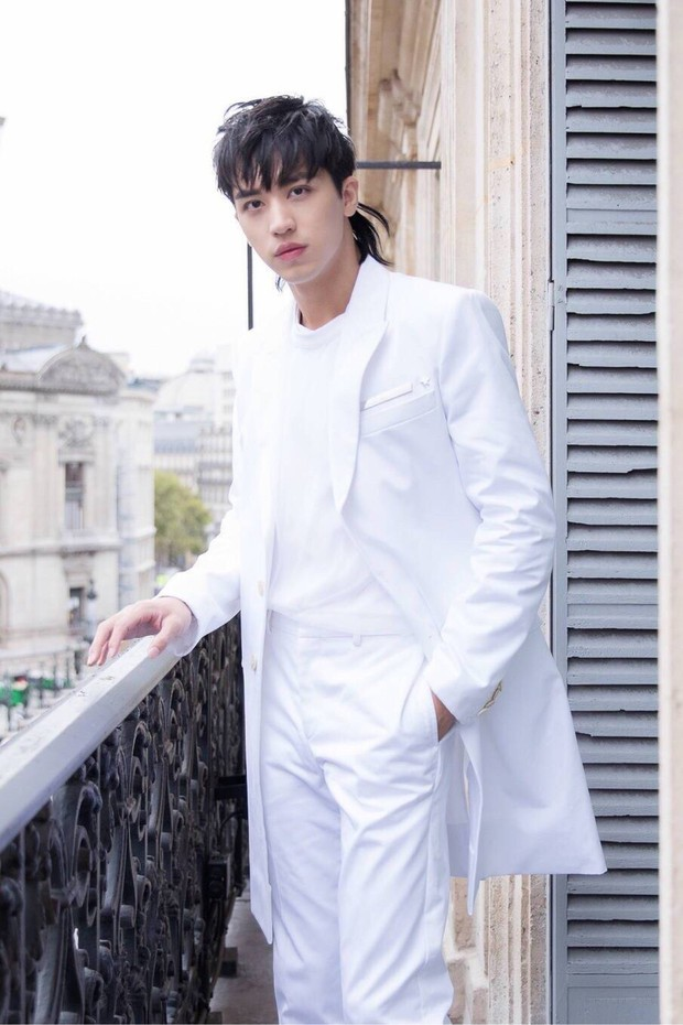 Phong cách ngày càng giống G-Dragon, Ngô Diệc Phàm đang cố tình bắt chước người đàn anh? - Ảnh 11.