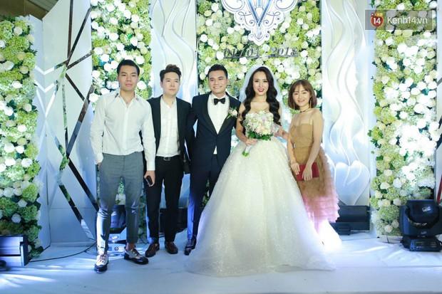 Dàn sao Việt xúng xính hội ngộ tại đám cưới của Khắc Việt và bà xã DJ tại Hà Nội - Ảnh 6.