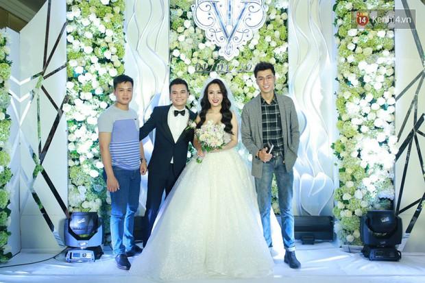 Dàn sao Việt xúng xính hội ngộ tại đám cưới của Khắc Việt và bà xã DJ tại Hà Nội - Ảnh 8.