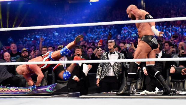 """""""Quái nữ"""" UFC Ronda Rousey  ra mắt thành công ở đấu trường WWE - Ảnh 13."""