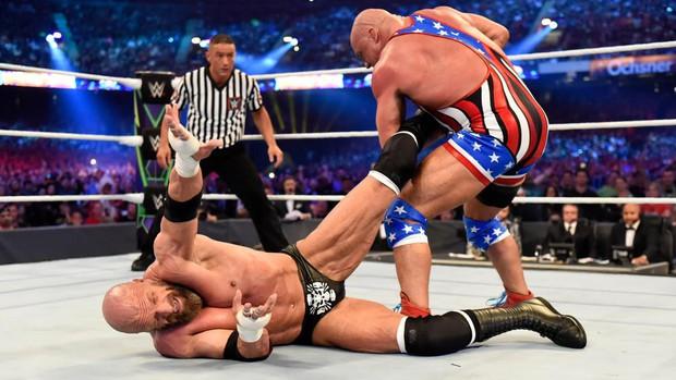 """""""Quái nữ"""" UFC Ronda Rousey  ra mắt thành công ở đấu trường WWE - Ảnh 17."""
