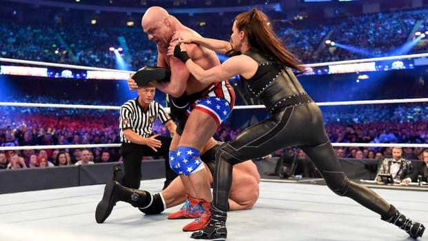 """""""Quái nữ"""" UFC Ronda Rousey  ra mắt thành công ở đấu trường WWE - Ảnh 18."""